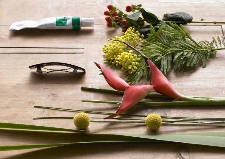 Preparing ; hairpin,Oasis Floral-glue. Flowers; Mimosa ( Acacia dealbata ),Heleconia,Hypericum ( berries ) , Typha Leafs.