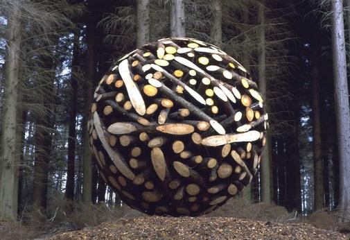 giant-wooden-spheres-lee-jae-hyo-sculptures-1