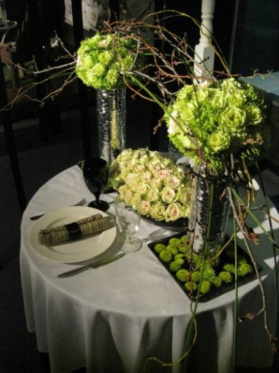 A Natural-look table-deco.