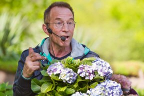 Famous Dutch Gardener Rob van der Linden demonstrating.