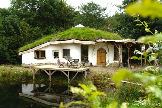 Charlies-Hobbit-House-1