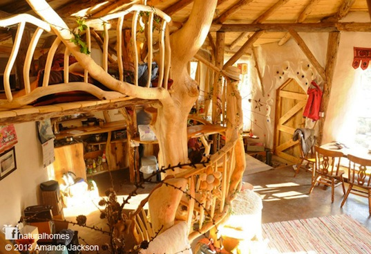 Charlies-Hobbit-House-2